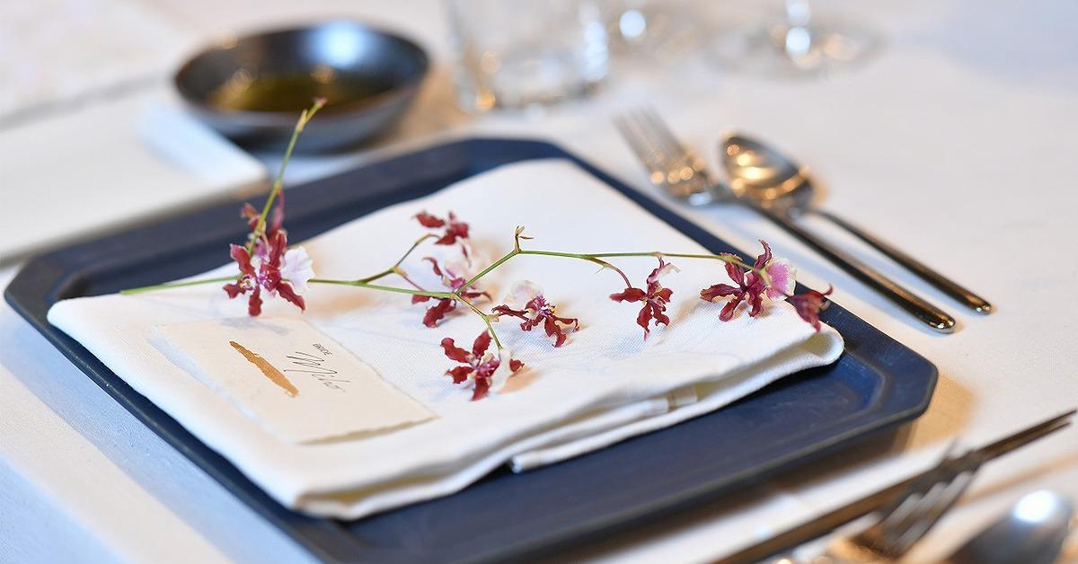 結婚式のゲストテーブル装花に。「トーションフラワー」の選び方・飾り方