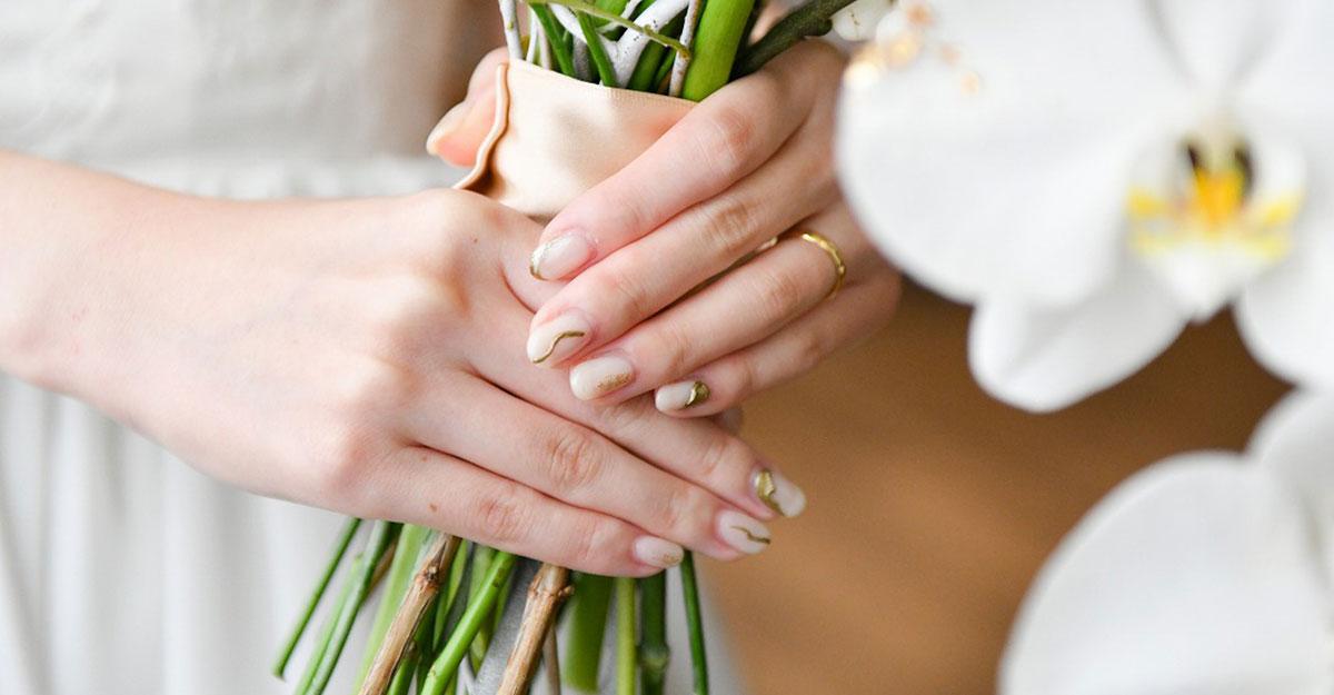 """指先まで抜かりなく。オシャレ花嫁は""""白ネイル""""に注目!"""