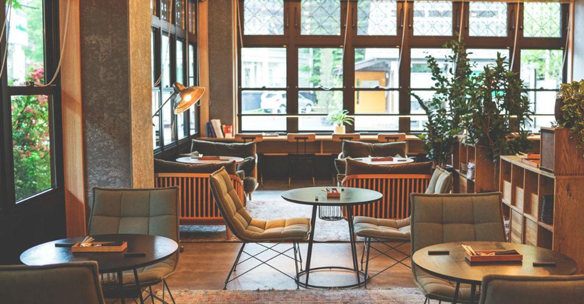 「トゥインラインホテル軽井沢」で楽しむ美食とアートの旅|記念日旅行